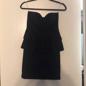 Dresses & Skirts - Strapless navy dress.